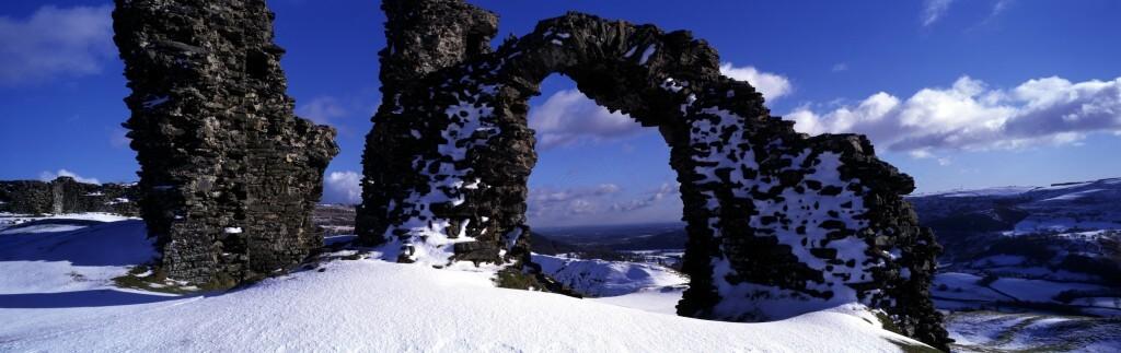 Castell Dinas Bran-snow