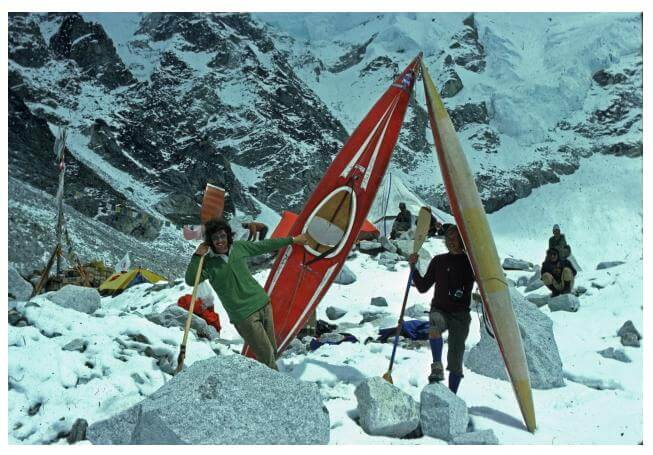 Mick Hopkins and Mike Jones with they Pyranha Kayaks in the snows of Everest