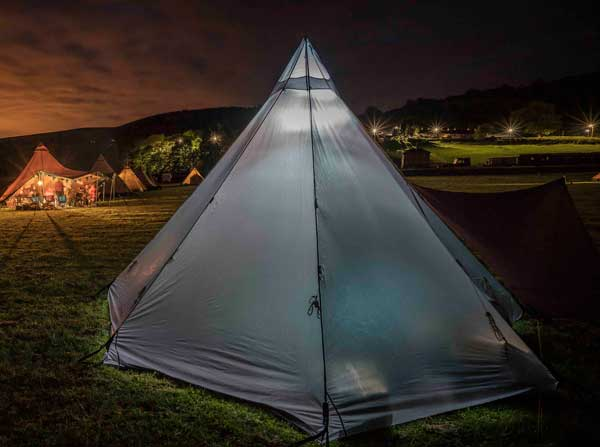 Tentipi Onyx 7 light and zirkonflex at night at the fifth UK Tentipi Camp